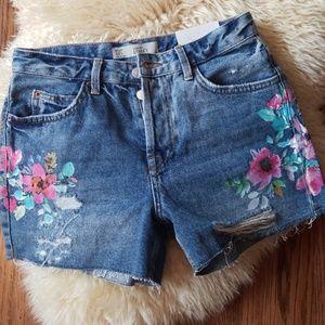 Topshop Ashley shorts size 4$65